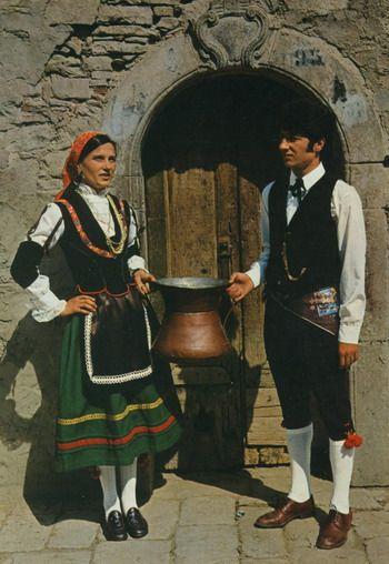 Costume Folklorique galerie multimedia